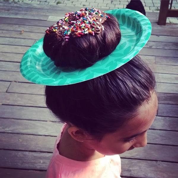 Las mejores variaciones de peinados de flamenca para niñas Galería de tendencias de coloración del cabello - Peinados locos para niñas con limpiapipas   Uñas Acrilicas