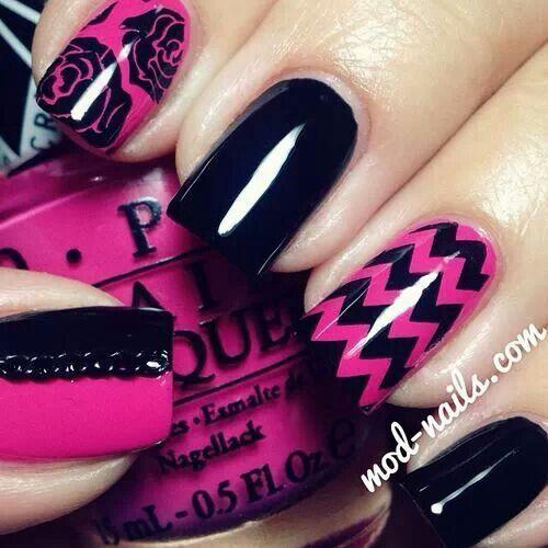 uñas rosa fiusha con negro