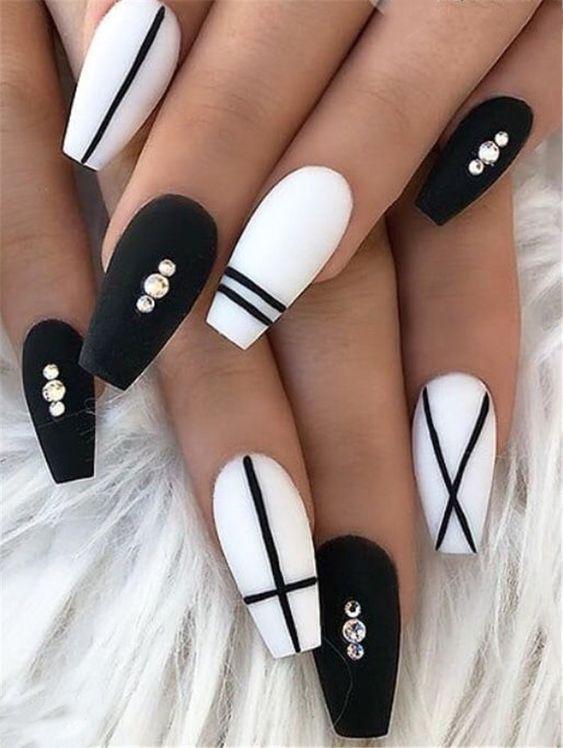 Fake nails at home