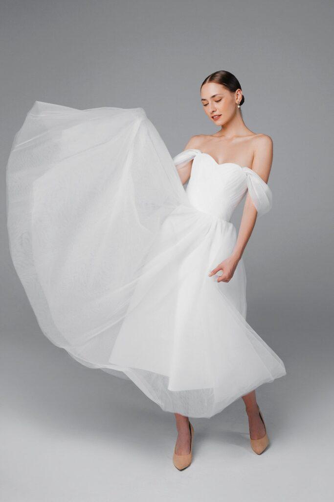 Wedding dresses short bridges